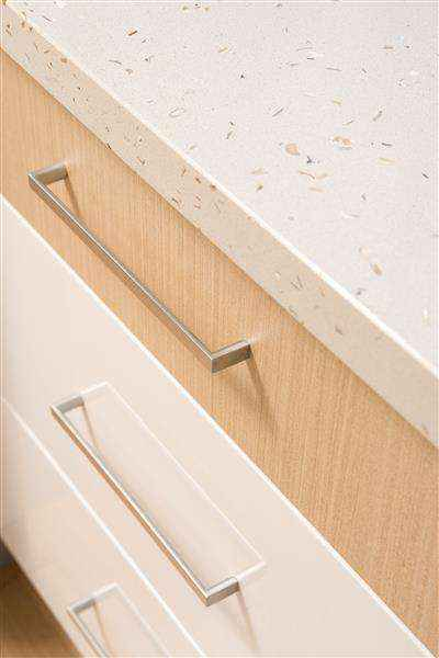 Contemporary kitchen cabinet finishes